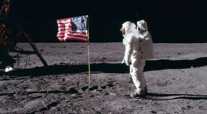 Buzz Aldrin sobre la superficie de la Luna (21 de agosto de 1969)